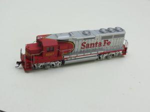 Schaal H0 Bachmann 63502 Santa Fe EMD GP 40 Diesel Locomotive #588